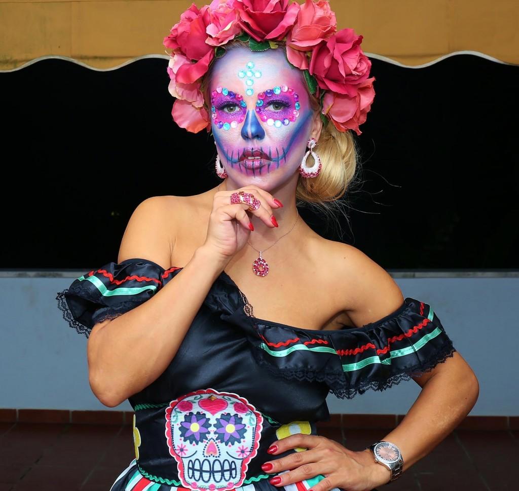 Yana - Halloween Contest www.arianasoffici.com