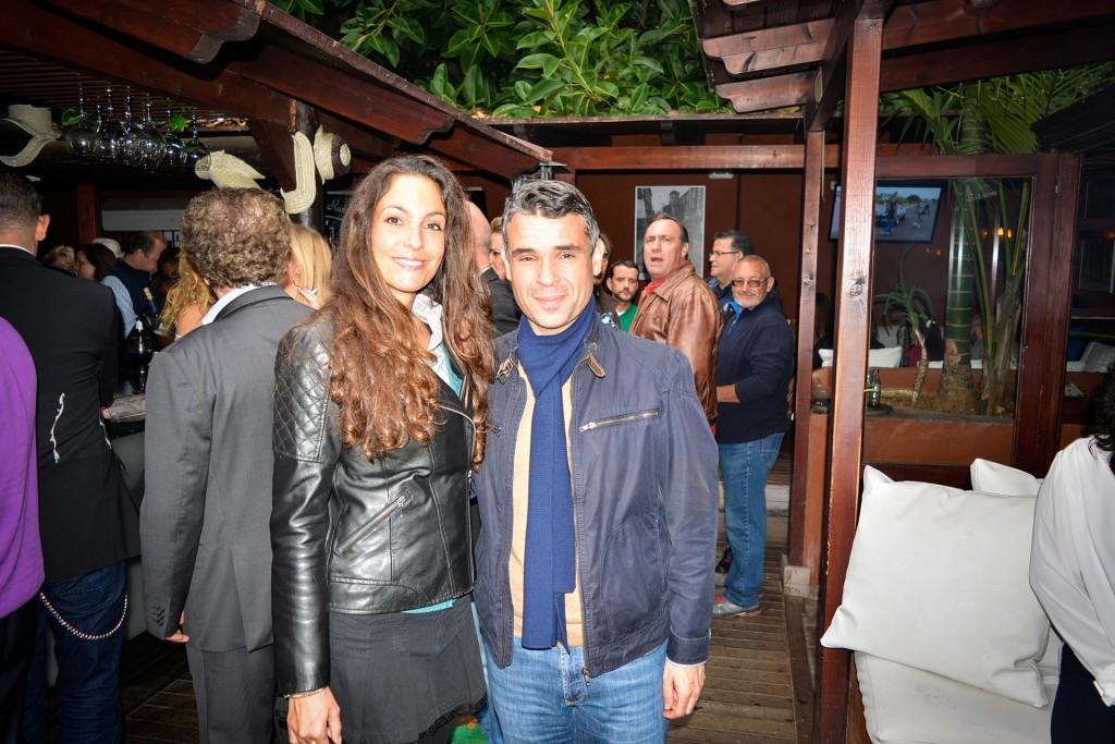Ariana Soffici con el Alcalde de Marbella José Bernal en el evento solidario - www.arianasoffici.com