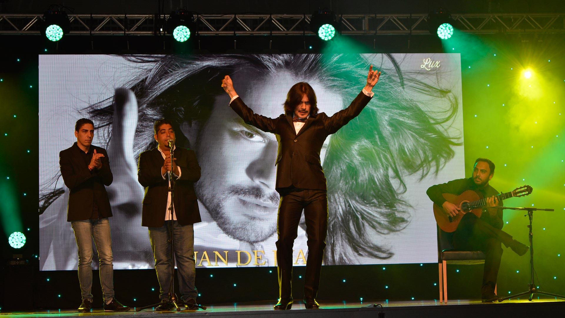 Juan de Juan dancing Flamenco at Luxury Advertising Awards - www.arianasoffici.com