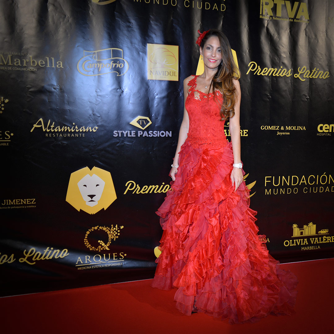 Ariana & Style Passion TV at Premios Latino www.arianasoffici.com