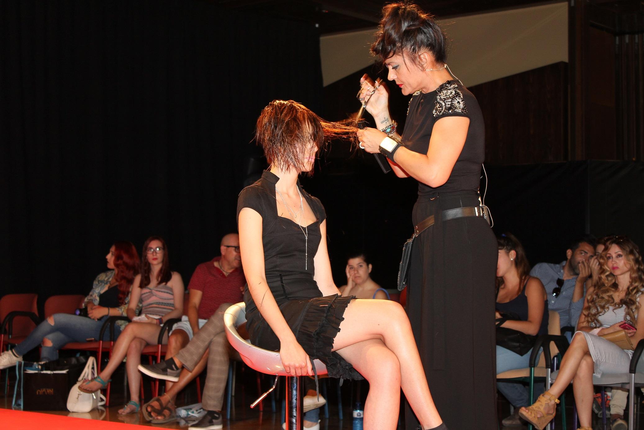 Show Anna Romero @ Estilo MLG www.arianasoffici.com
