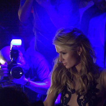 Paris Hilton DJ Set en Club Olivia Valere