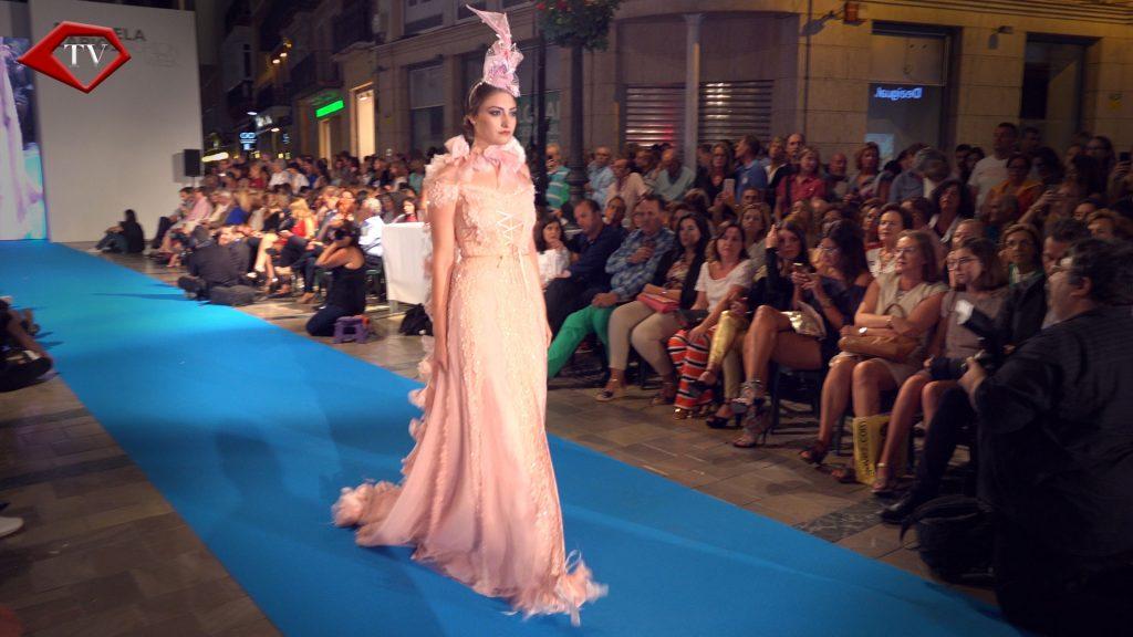 Pink Glamour by Asunción Retamero en Malaga Fashion Week www.arianasoffici.com