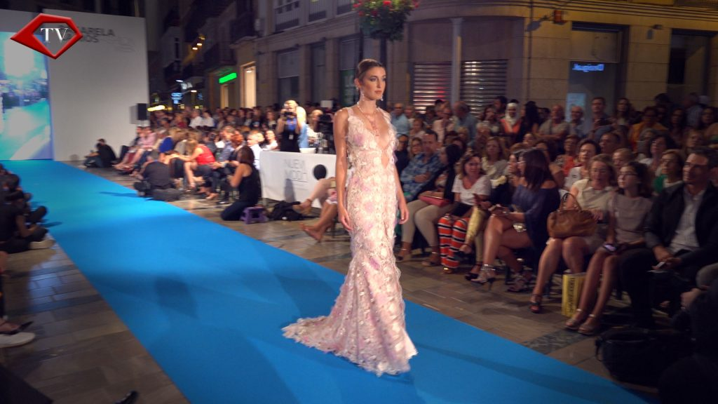 Crystal Seduction by Asunción Retamero en Malaga Fashion Week www.arianasoffici.com